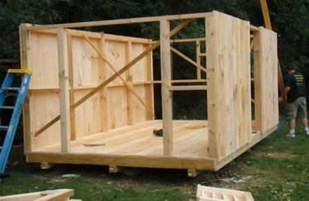 Сборный деревянный домик