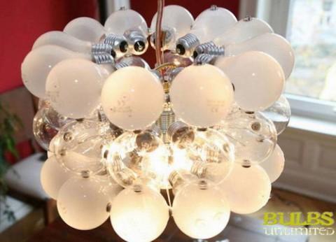 Люстра из лампочек