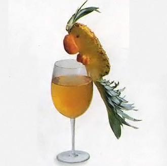 Попугай из ананаса