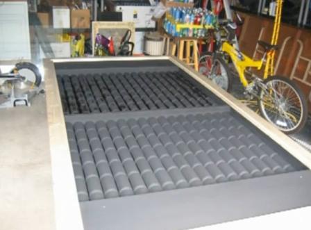Сделать самодельный солнечный коллектор можно из обычных алюминиевых банок. такой коллектор подойдет для отопления...