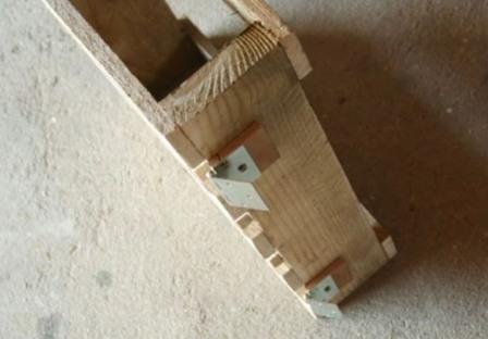 Складной деревянный шезлонг