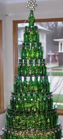 Оригинальная елка из бутылок