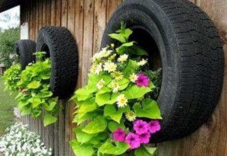 Ваза для цветов из покрышек