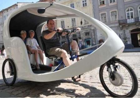 Велорикша с кабиной для пассажиров