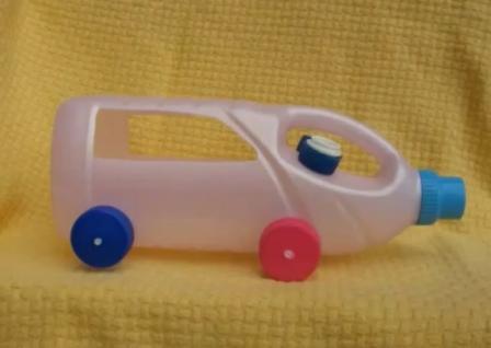Машинка своими руками из подручных материалов для детского сада 80