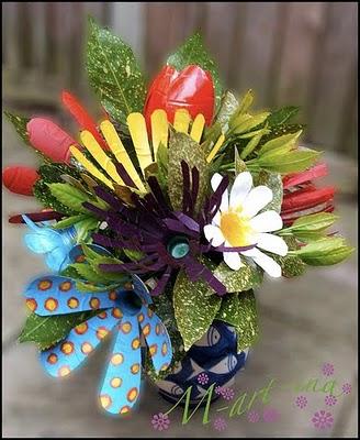 Из пластмассовых бутылок цветы