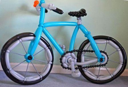 Велосипед из шариков колбасок